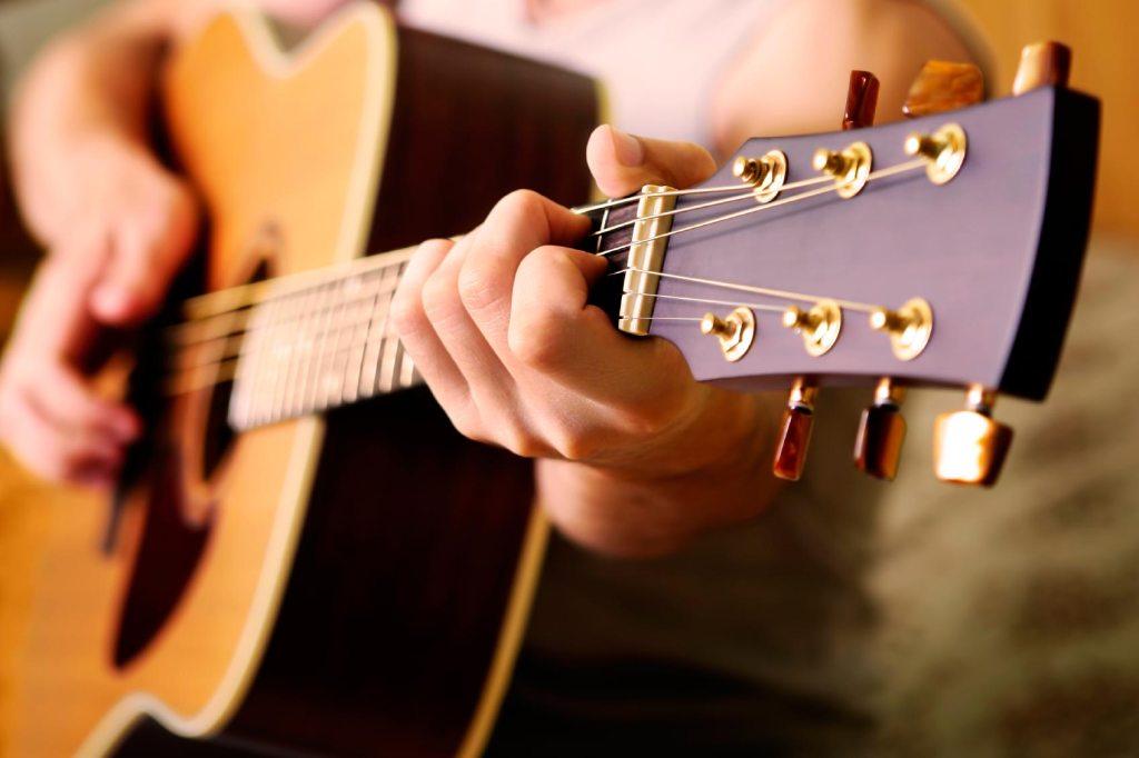 Mẹo hay lựa chọn đàn guitar chất lượng 1